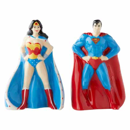 DC Comics  Superman and Wonderwoman Salt & Pepper Shakers