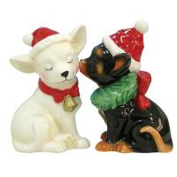Westland Giftware Mwah! Holiday Chihuahuas with Hats Kissing 2.5
