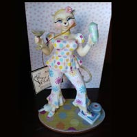 Margaret Le Van Alley Cat Persia Bottoms Up Hand-Painted Collectible 7.5